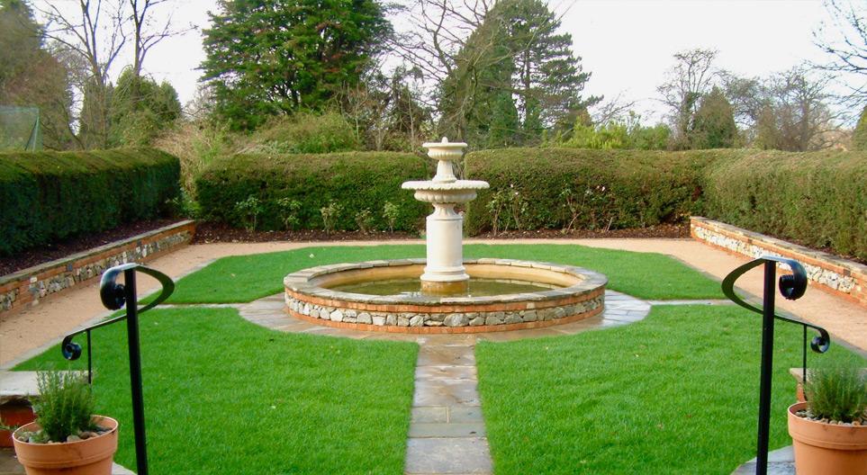 Formal Garden Sevenoaks Kent - Oakleigh Manor