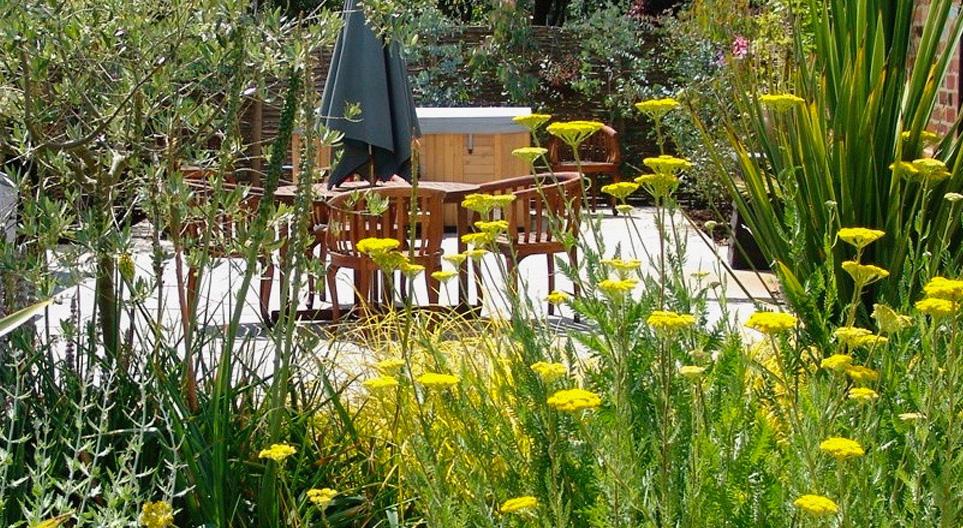 A beautiful Garden Design - The Headcorn | Oakleigh Manor